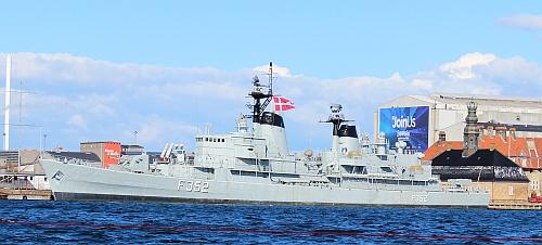 Dänisches Militärschiff
